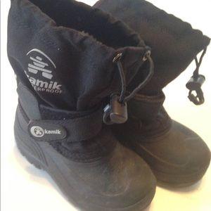 Kamik children's winter Boots Size 9. Black. Used.